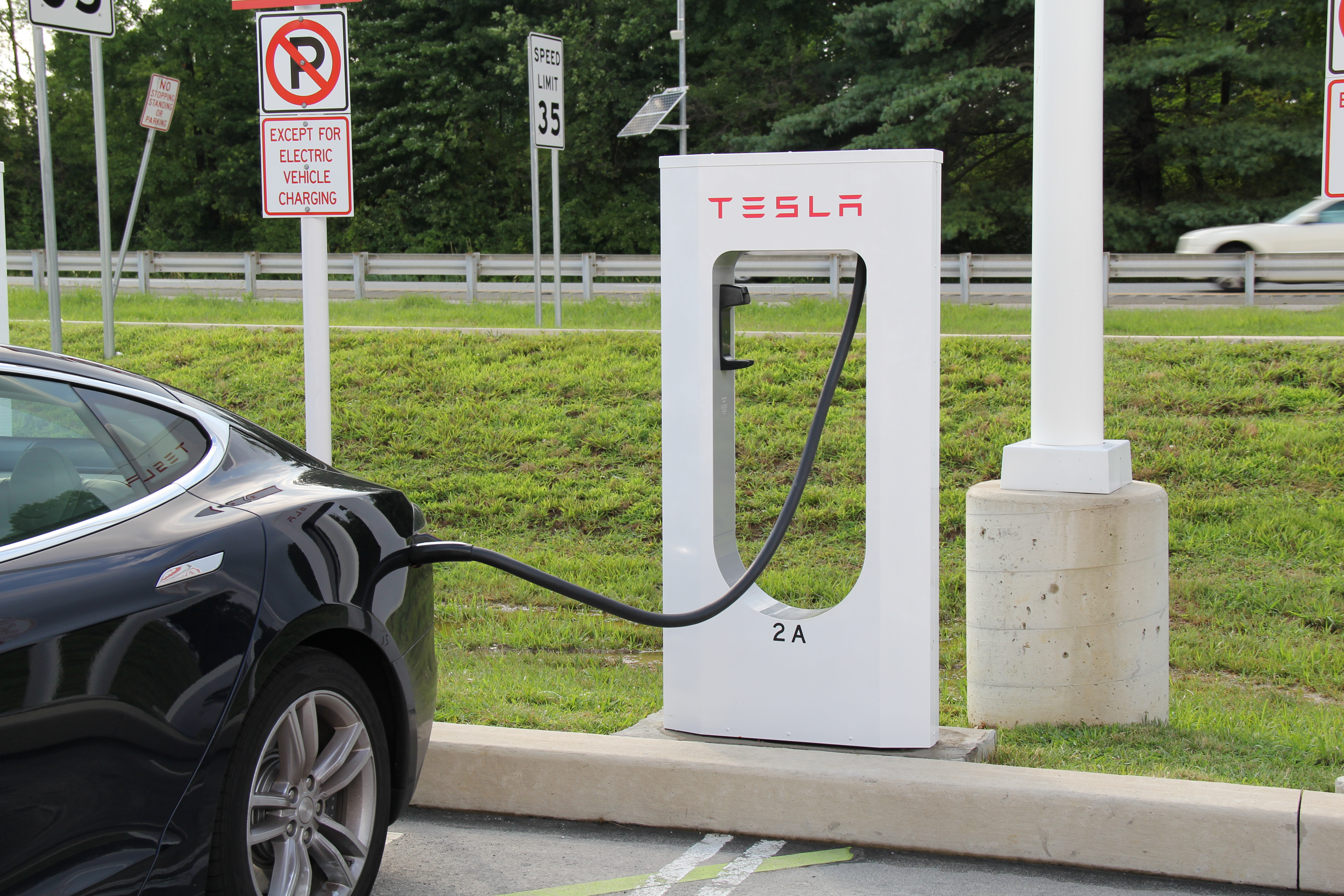 Why Tesla Could Be the Next Apple – and Put a Hurt On Exxon